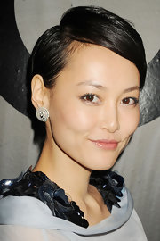 Rinko Kikuchi looked cute and cool with her short side-parted 'do at the Chanel Bijoux de Diamant 80th anniversary party.