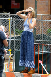 Leelee Sobieski finished off her laid-back look with a pair of moccasins.