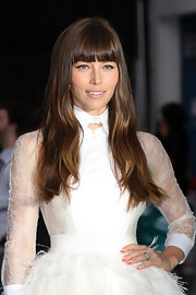 Jessica Biel attended the 'Total Recall' London premiere wearing nail art in two shades of pink.