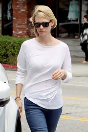 January Jones hid her eyes behind a pair of rectangular shades while grabbing lunch.