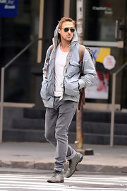 Ryan Gosling cuffed up a pair of classic gray jeans as he walked around the streets of NYC.
