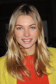 Jessica Hart wore her hair down in casual layers when she attended the Diane Von Furstenberg fashion show.
