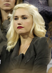 Gwen Stefani watched the U.S. Open wearing her hair in high-volume waves.