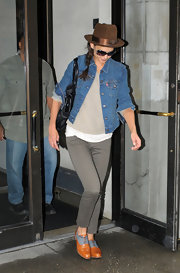 Katie Holmes styled her look with a pair of two-tone oxfords.