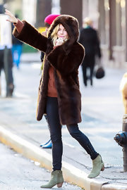 Sienna Miller showed off her shapely legs in skinny jeans with lace-up ankles while out in New York City.