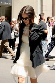 Rachel Bilson arrived for the CW Upfronts wearing a black boyfriend blazer over her delicate LWD.
